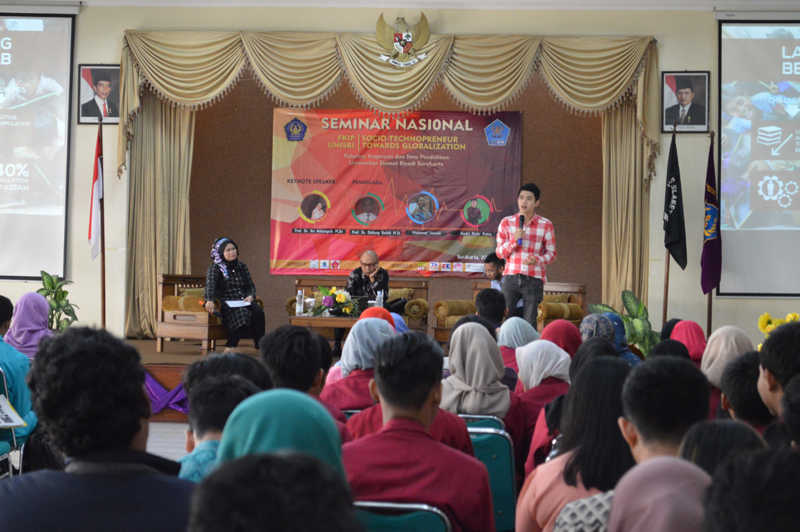 DEM FKIP Unisri Gelar Semnas Sosio Technopreneur Towards Globalization